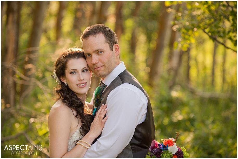 22 Kamloops wedding bride groom photos