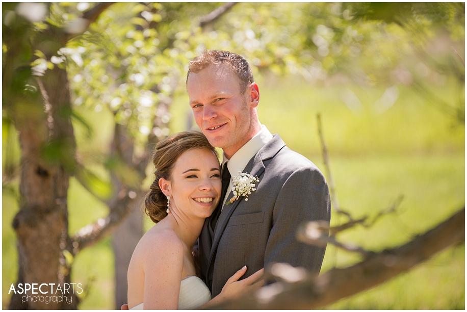 The Dunes wedding photographer Kamloops British Columbia orchard portraits golf course