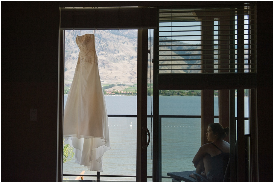 Osoyoos Watermark Resort Wedding photographer detail shots dress