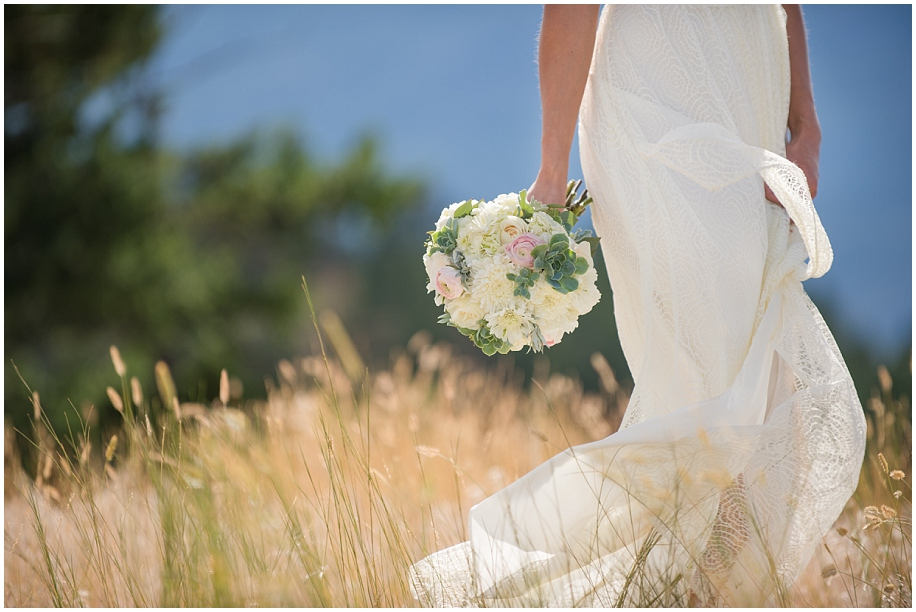 Sparkling Hill Wedding photographer detail shots bouquet bride dress