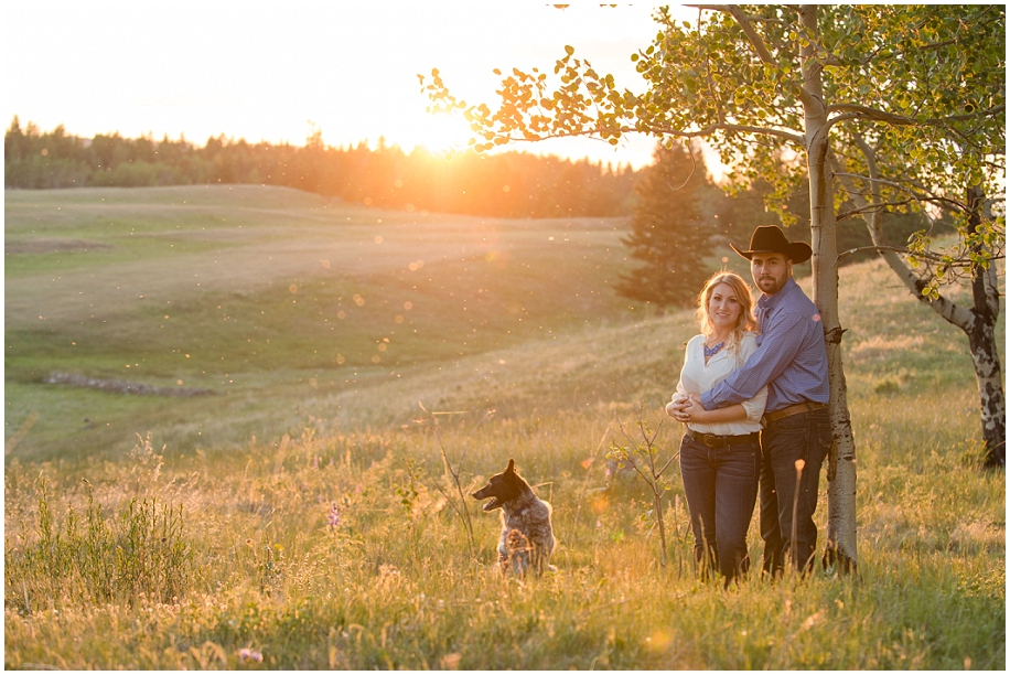 Kamloops engagement photographer golden hour sunshine