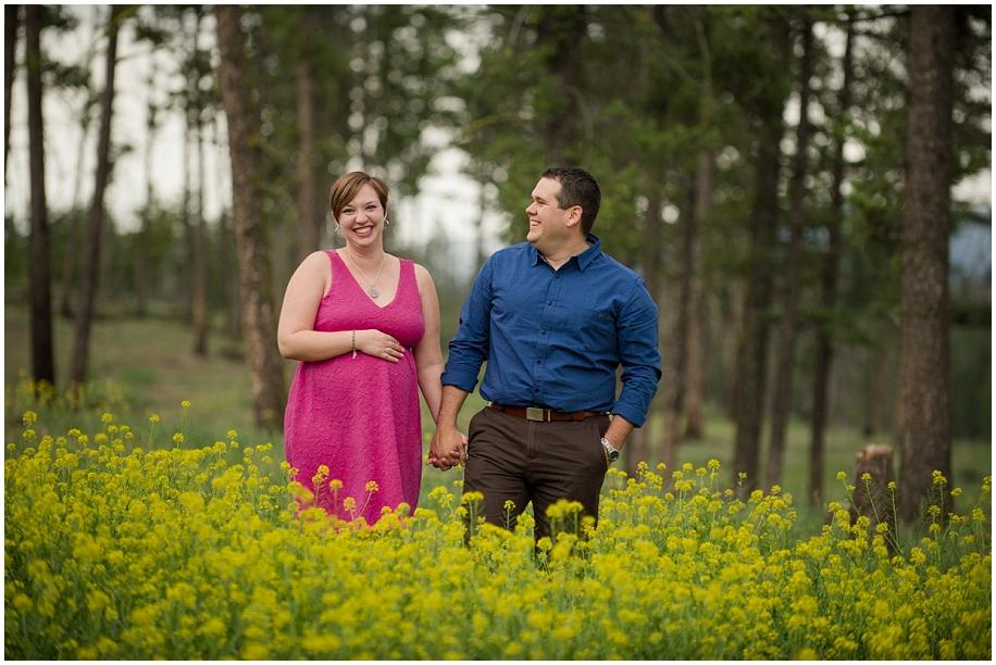 Kamloops maternity portrait photographer field of flowers