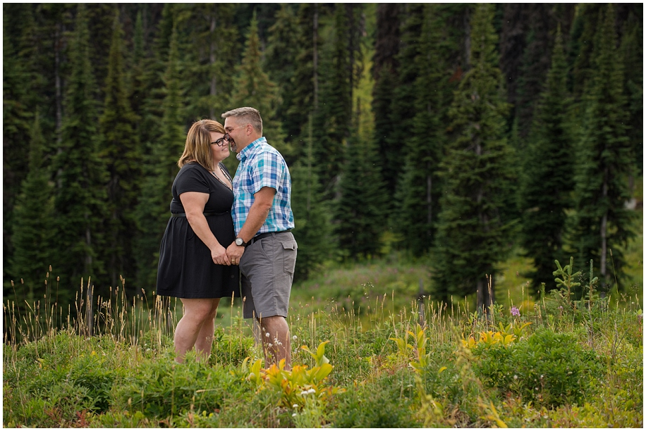 06 Sun Peaks photographer couple session forest