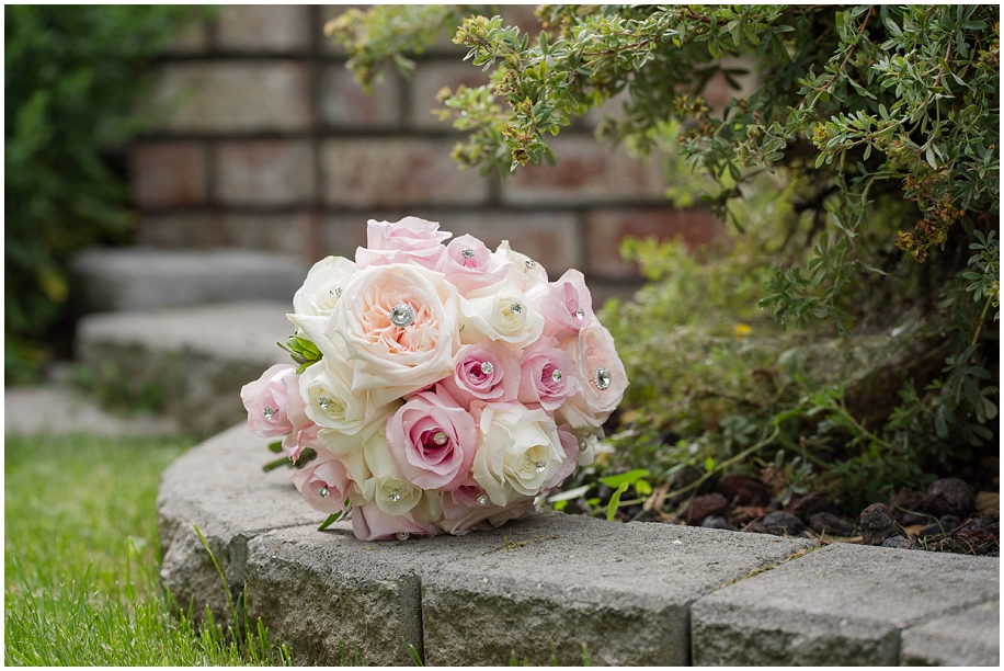 Wedding Bouquets Kamloops : Kamloops wedding photographer outdoor vineyard