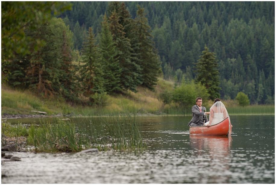 Outdoor lakeside wedding photographer 01