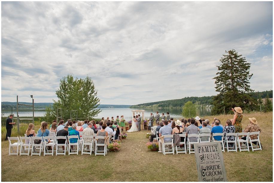Outdoor lakeside wedding photographer 18