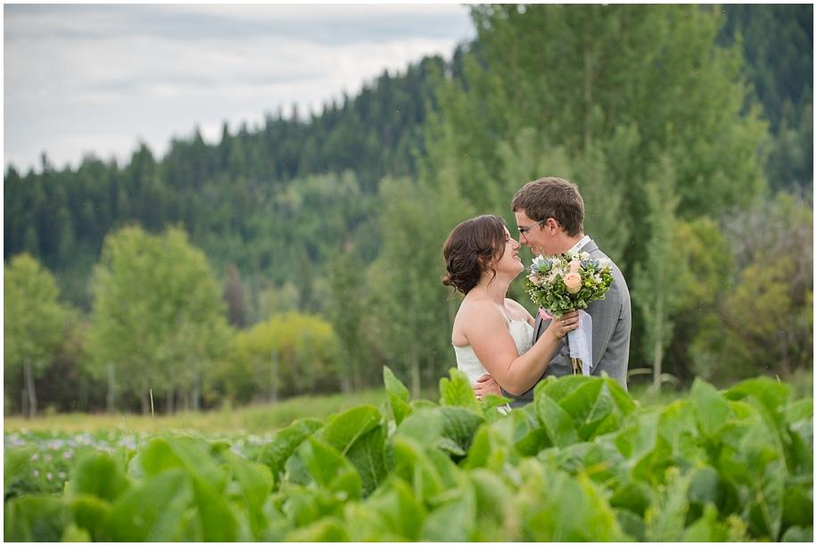 Outdoor lakeside wedding photographer 21