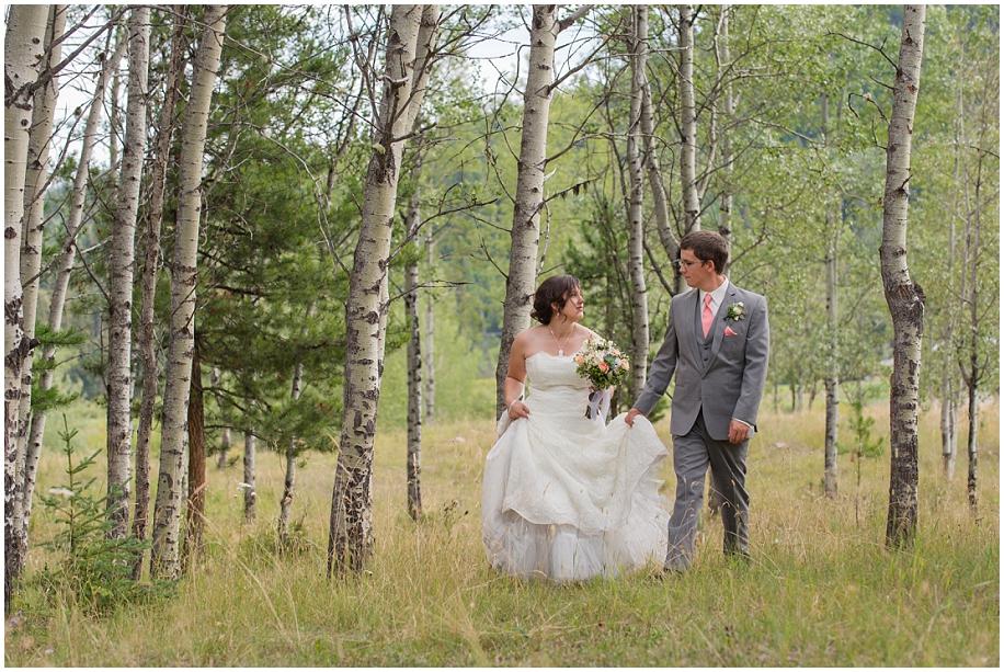 Outdoor lakeside wedding photographer 24