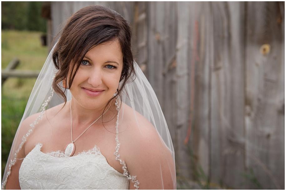 Outdoor lakeside wedding photographer 28