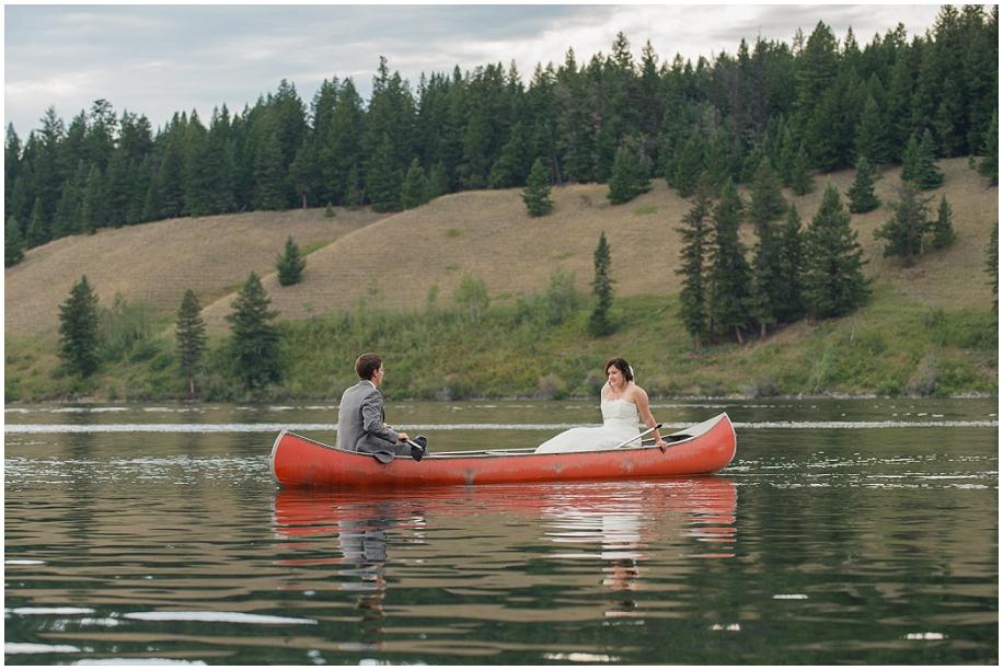 Outdoor lakeside wedding photographer 30