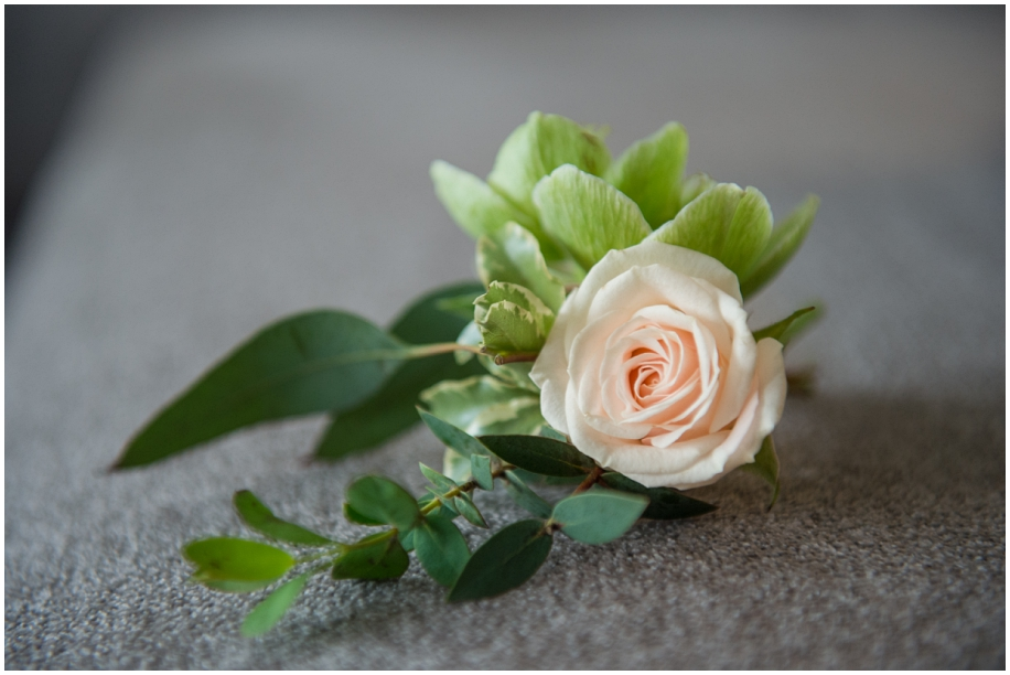 Thompson Okanagan wedding photography details boutonniere roses
