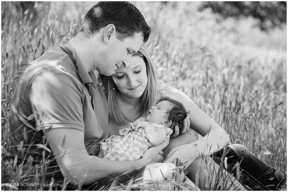 Lifestyle newborn session kamloops photographer summer outdoor field photos