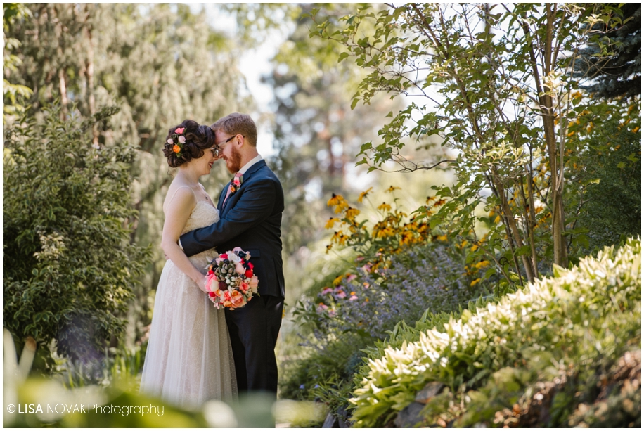 Vancouver photographer BC outdoor summer wedding sunshine TRU Kamloops vintage chic Horticulture gardens bridal portraits romance