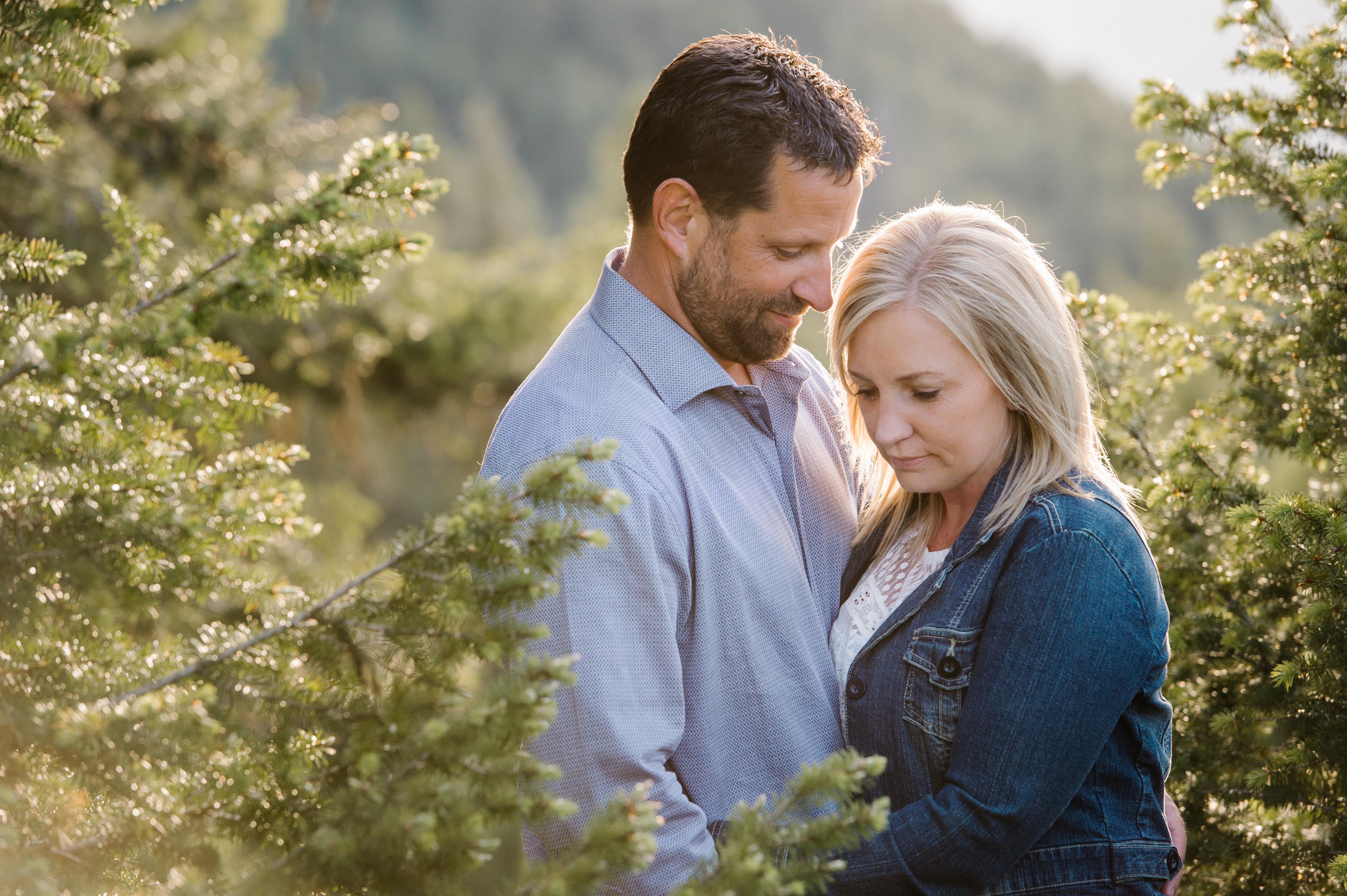 Harper Mountain portrait session golden hour sunshine couple portraits love Fraser Valley photographer BC Interior
