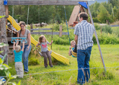 Okanagan family photographer documentary day in the life session 01
