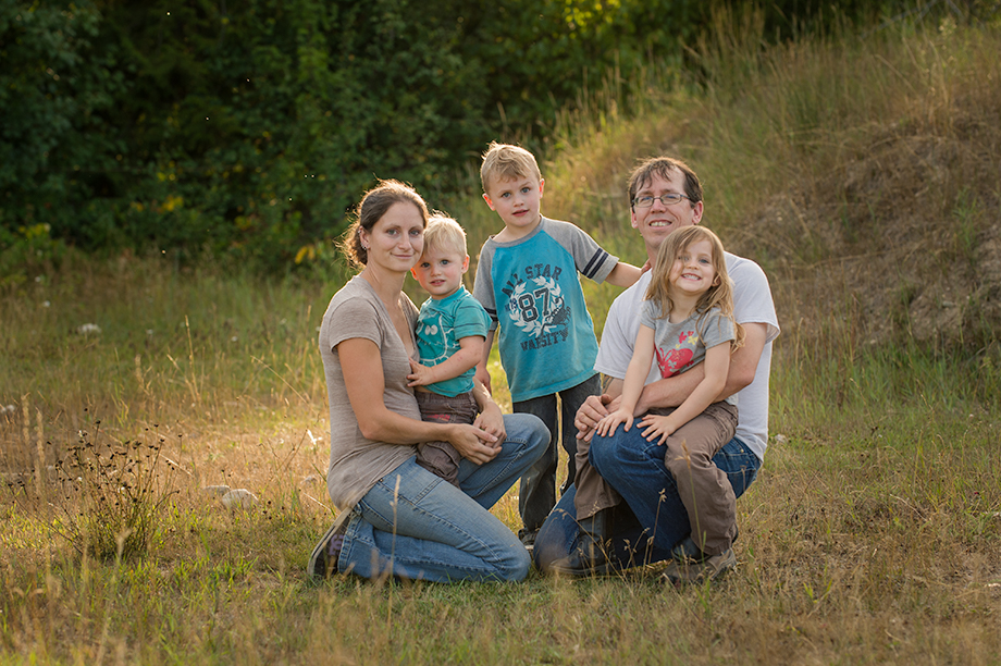Okanagan family photographer documentary day in the life session 25