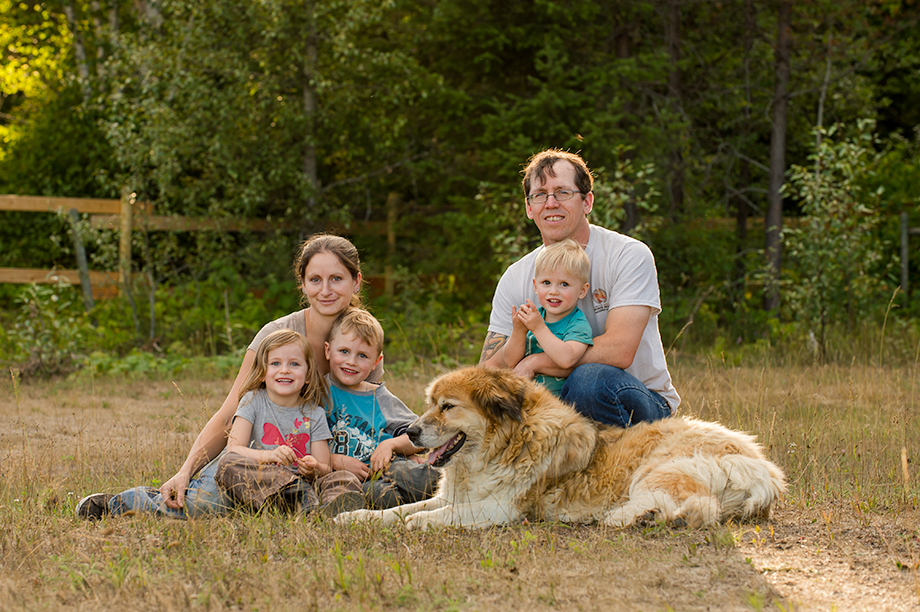Okanagan family photographer documentary day in the life session 40