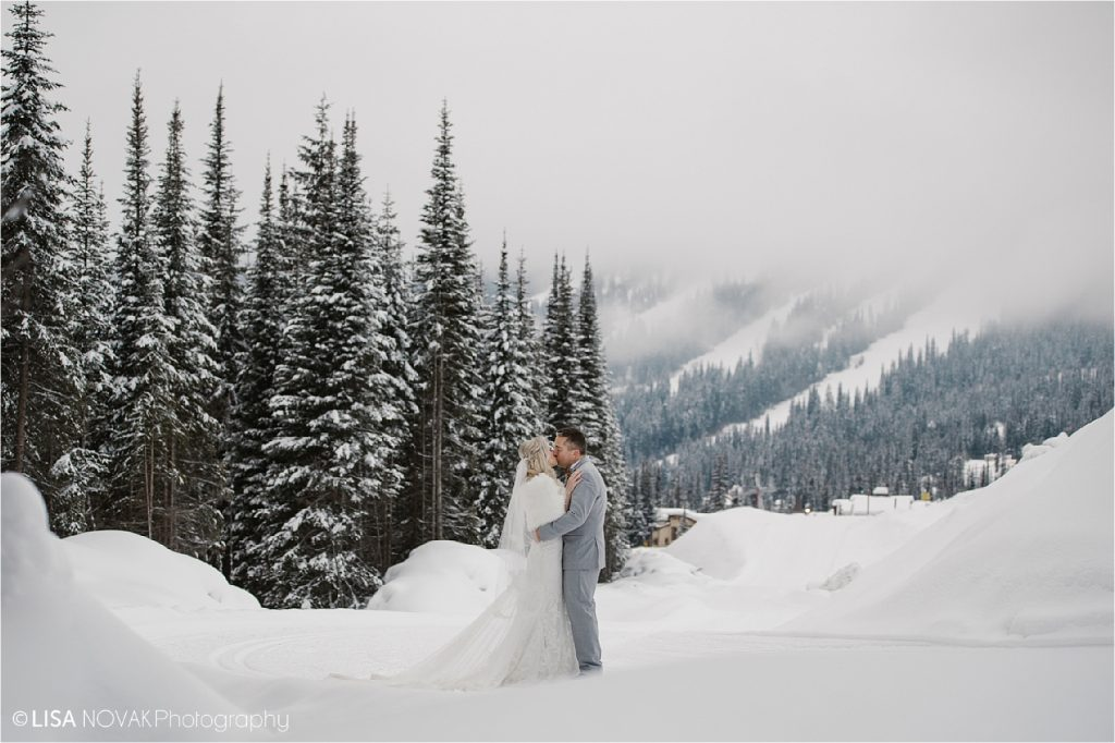 Beautiful winter destination wedding at Sun Peaks Resort in the mountains of British Columbia.