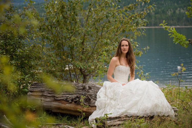 Kamloops trash the dress photographer