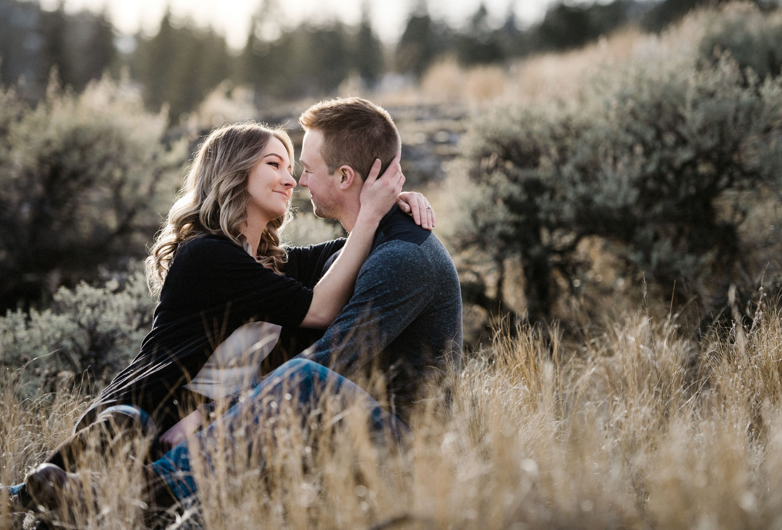 Engagement photographer in Kamloops outdoor romantic portraits