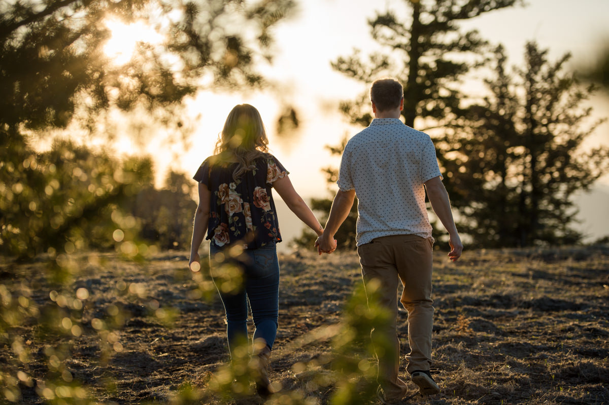 creative kamloops engagement session ideas