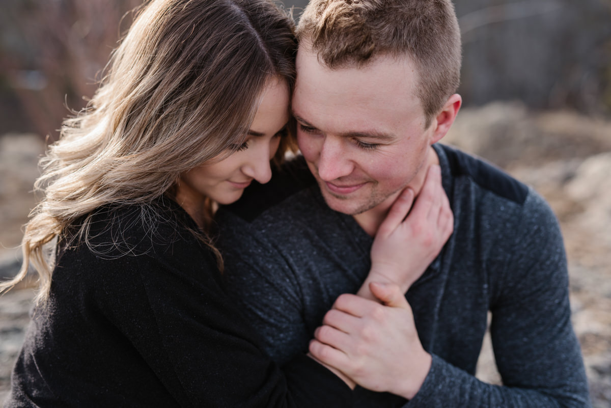 romantic engagement session poses
